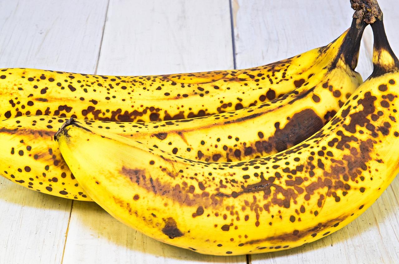 bananas-1072399_1280